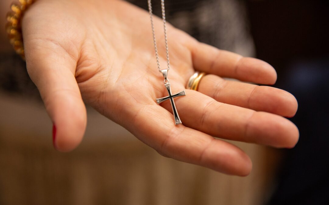 5 Common Mistakes We Make While Buying Religious Jewelry