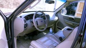 20013-Ford-interior