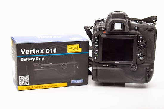 Review of Battery Grip Holder Pack For Nikon D750