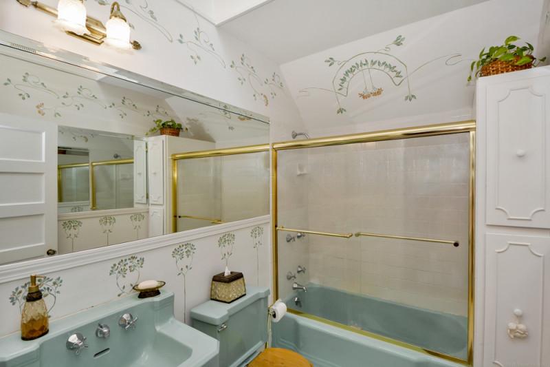 Bathroom - 156 Chestnut St Andover, MA