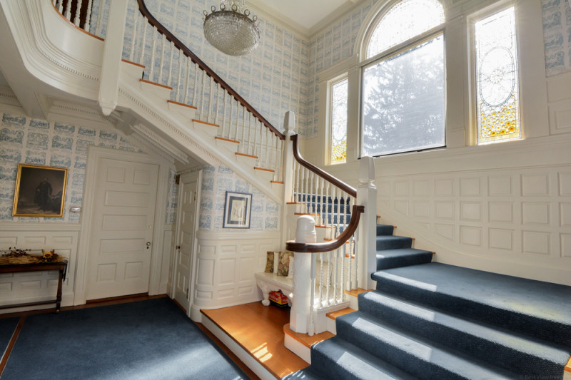Foyer - 156 Chestnut St Andover, MA