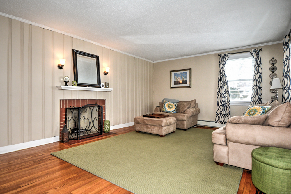 Living Room - 272 Massachusetts Ave North Andover MA