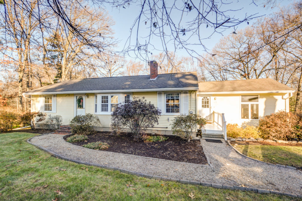Andover Ranch for Sale - 112 Salem St Andover, MA