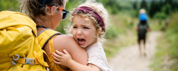 Tips on how to encourage good behavior on outings with your child