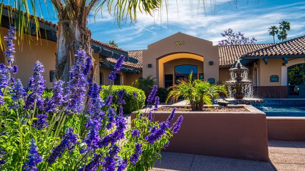 Scottsdale Lux Exterior Fountain
