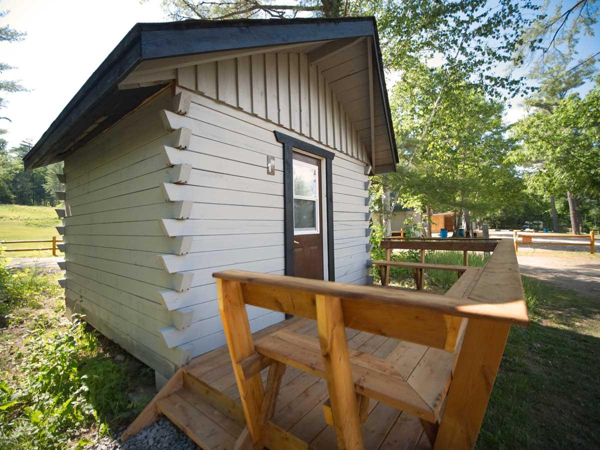 Hostel Cabin Plus Accommodation Rental Ottawa River Rafting Resort