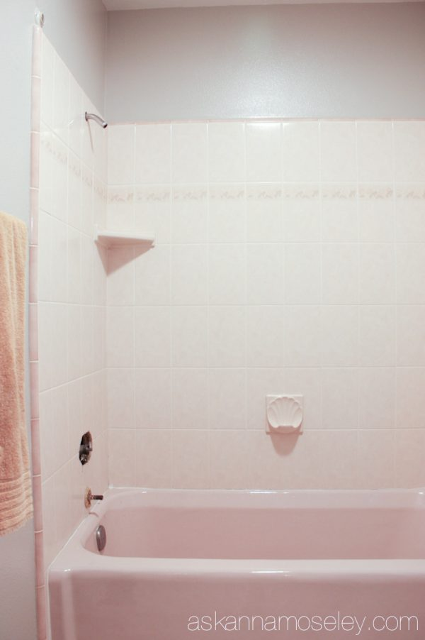 Step-by-step tutorial for how to update an ugly bathtub | Ask Anna