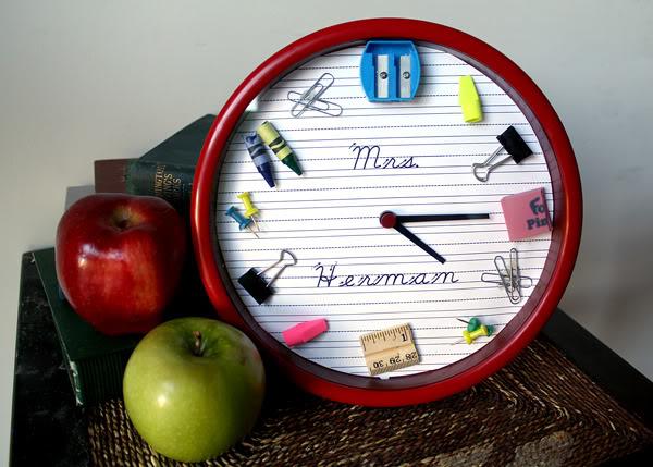 School supplies clock
