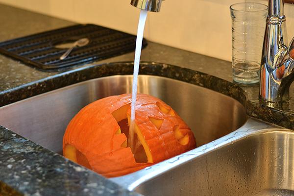 Soak pumpkins in ice water to make them last longer