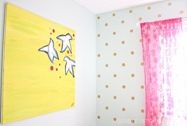 Girl's bedroom polka dot wall - Ask Anna