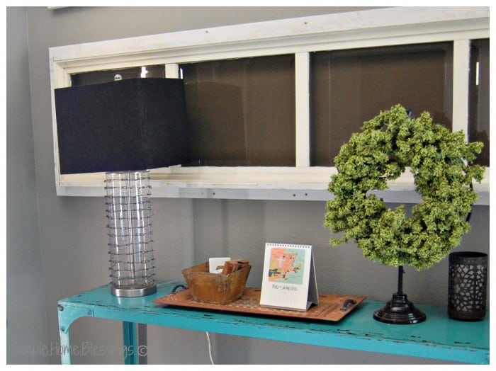 DIY-Chain-mail-Knockoff-Lamp-in-Entryway-700x524