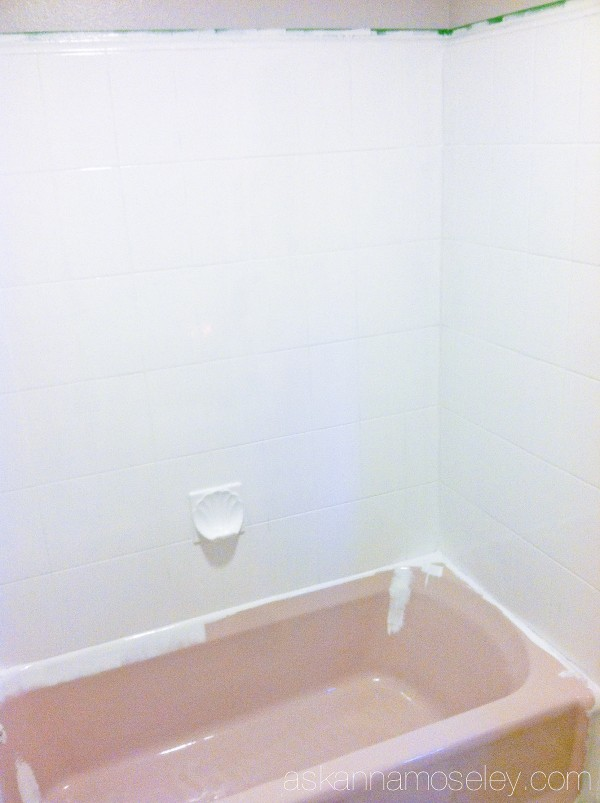 How to update an ugly bathtub follow-up, a year later - Ask Anna