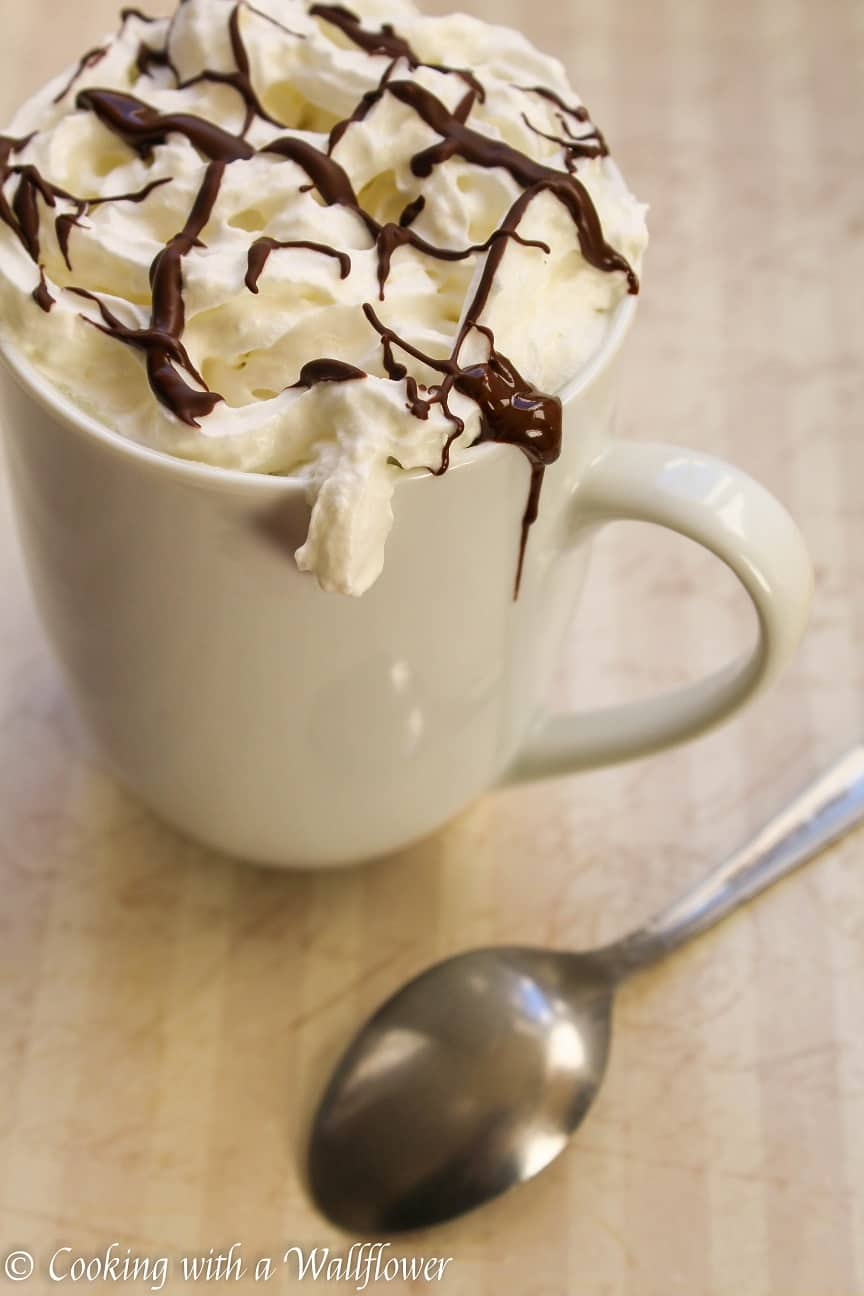White hot chocolate recipe - Cooking with a Wallflower