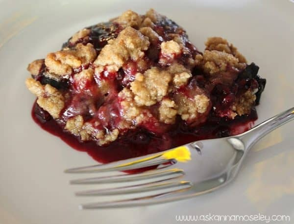 Quick and easy to make berry crumble - Ask Anna