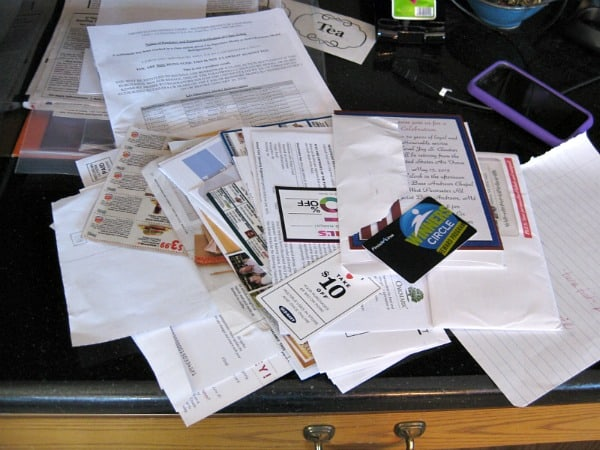 Fast and easy tips for how to organize papers on your kitchen counters
