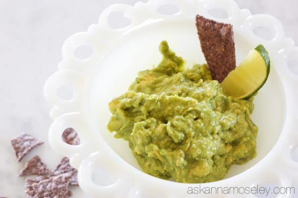 3-ingredient easy and delicious guacamole - Ask Anna
