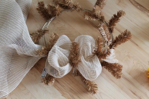 DIY Sunflower birdhouse wreath tutorial