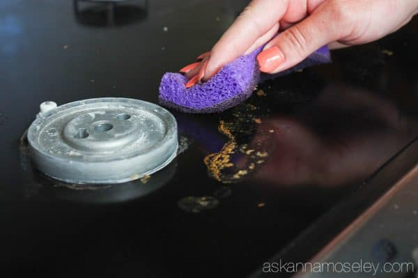 How to quickly and easily clean a stovetop without chemicals - Ask Anna