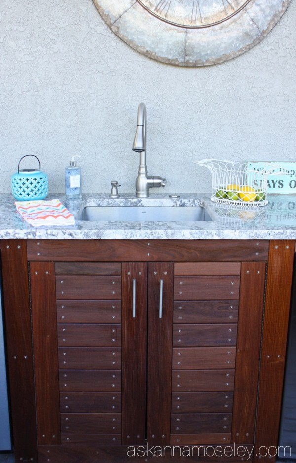 Outdoor kitchen and custom cabinets - Ask Anna