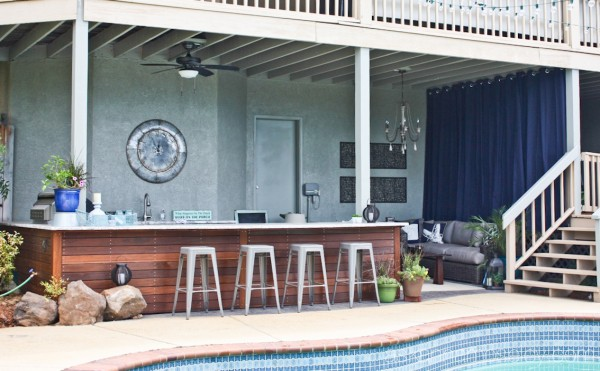 Outdoor kitchen and living room - Ask Anna