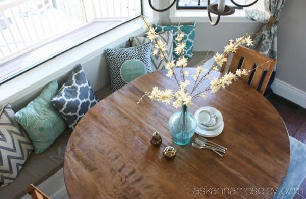Breakfast nook bench seating - Ask Anna