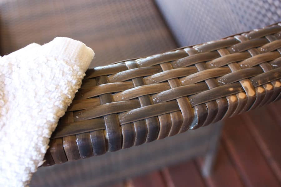 Summer is here and it's time to get ready for outdoor entertaining! Here are 10 things to clean to get ready for summer BBQ's and all your time outside!   Ask Anna