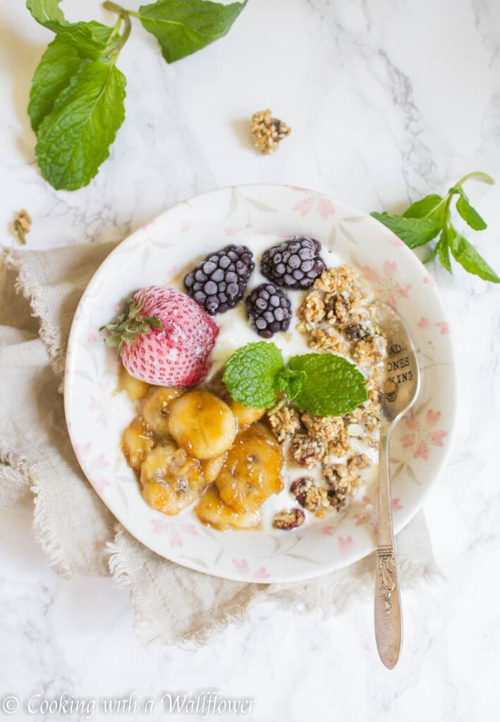 Caramelized Banana Honey Greek Yogurt Bowl