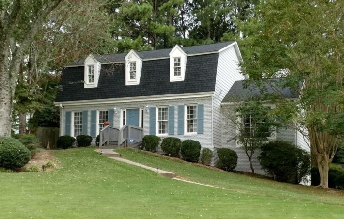 Home In East Cobb Independence Square Marietta GA