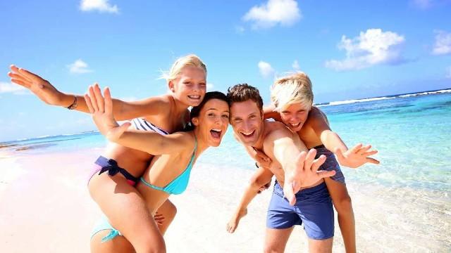spring+break_fudpuckers_henderson+beach_osteen+beach_norriego+beach_mydestinbeach_beach_florida_vacation_travel_family+beach+vacations_where+to+stay_resort_hotel_henderson+beach_crystal+beach_miramar_crystal+beach_james+lee+park_june+white+decker_kid+friendly_family_friendly