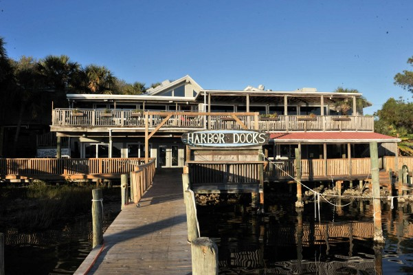 Harbor docks seafood restaurant destin florida