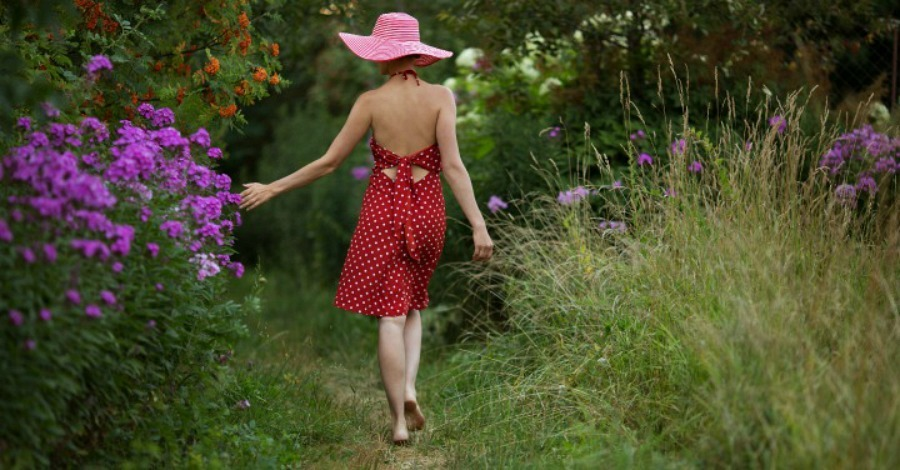 Why You Need to Try Walking Barefoot