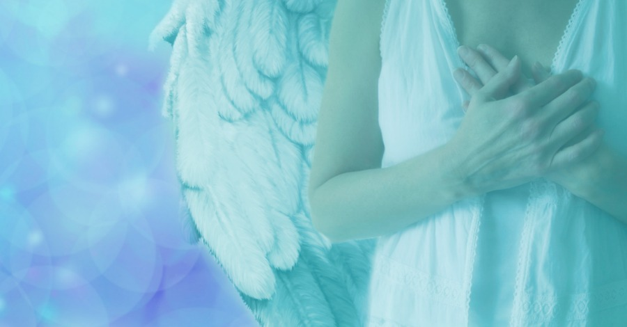 15 Signs a Guardian Angel is Watching Over You