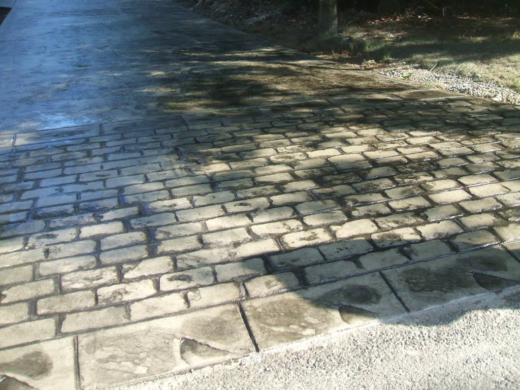 photo of stamped concrete driveway