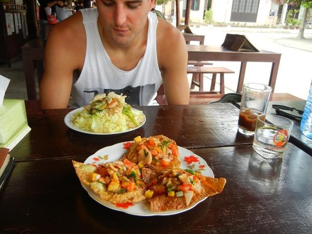 hoi-an-food-court-meal - Copy