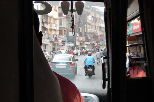 bus-tour-front