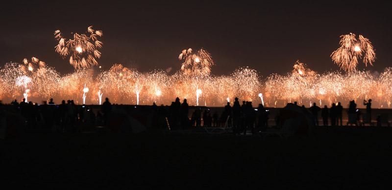 dubai-2014-fireworks-ground-306