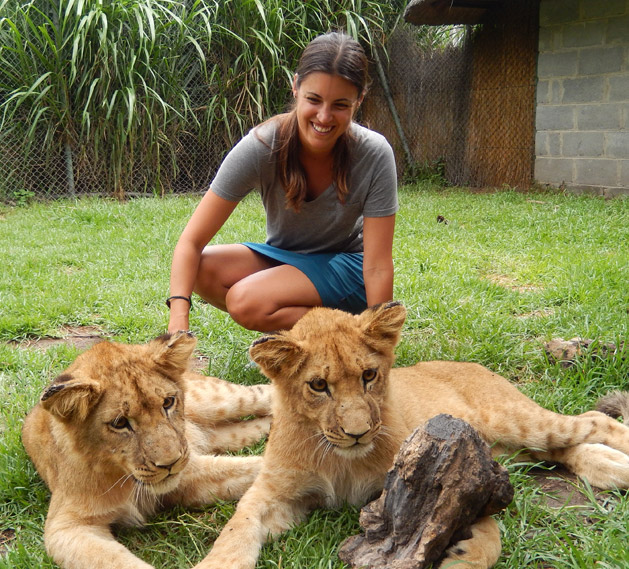 alissa-with-cubs