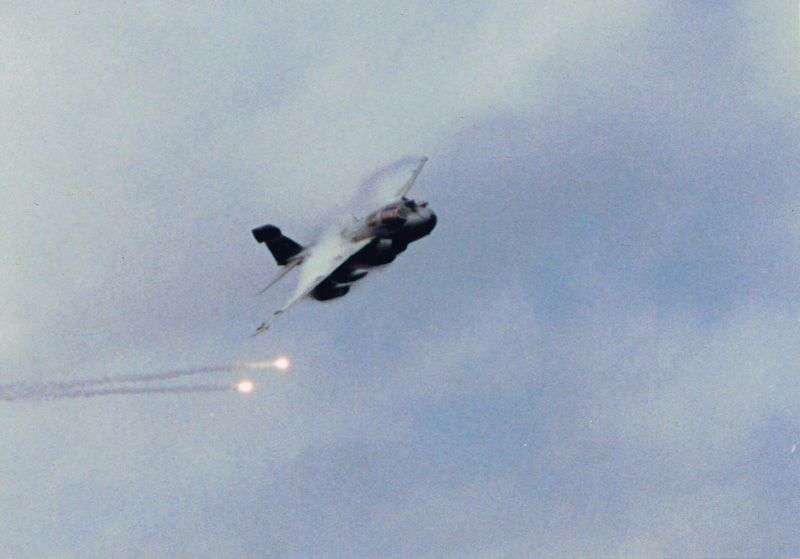 EA-6B-flares
