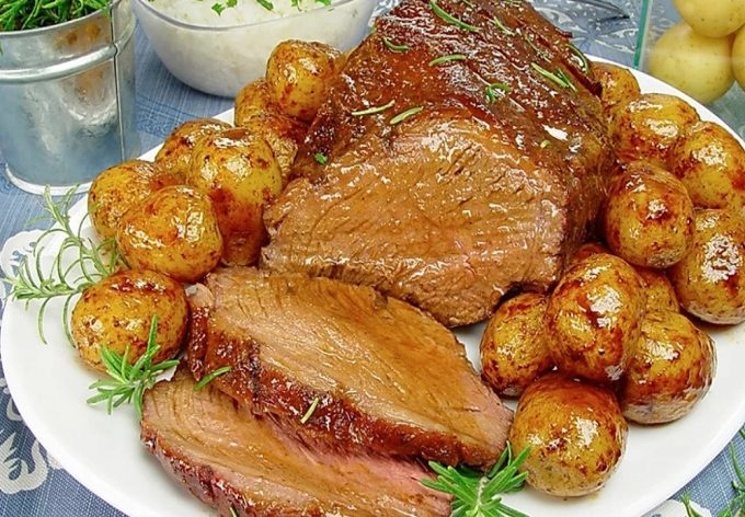 Beef Sirloin Caps (Picanha) with Roast Potatoes