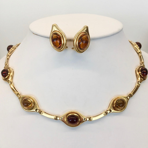 8 Karat Yellow Gold Cabochon Citrine Necklace and Earring Set