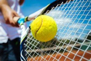 Traveling Tennis Pros - String Tension