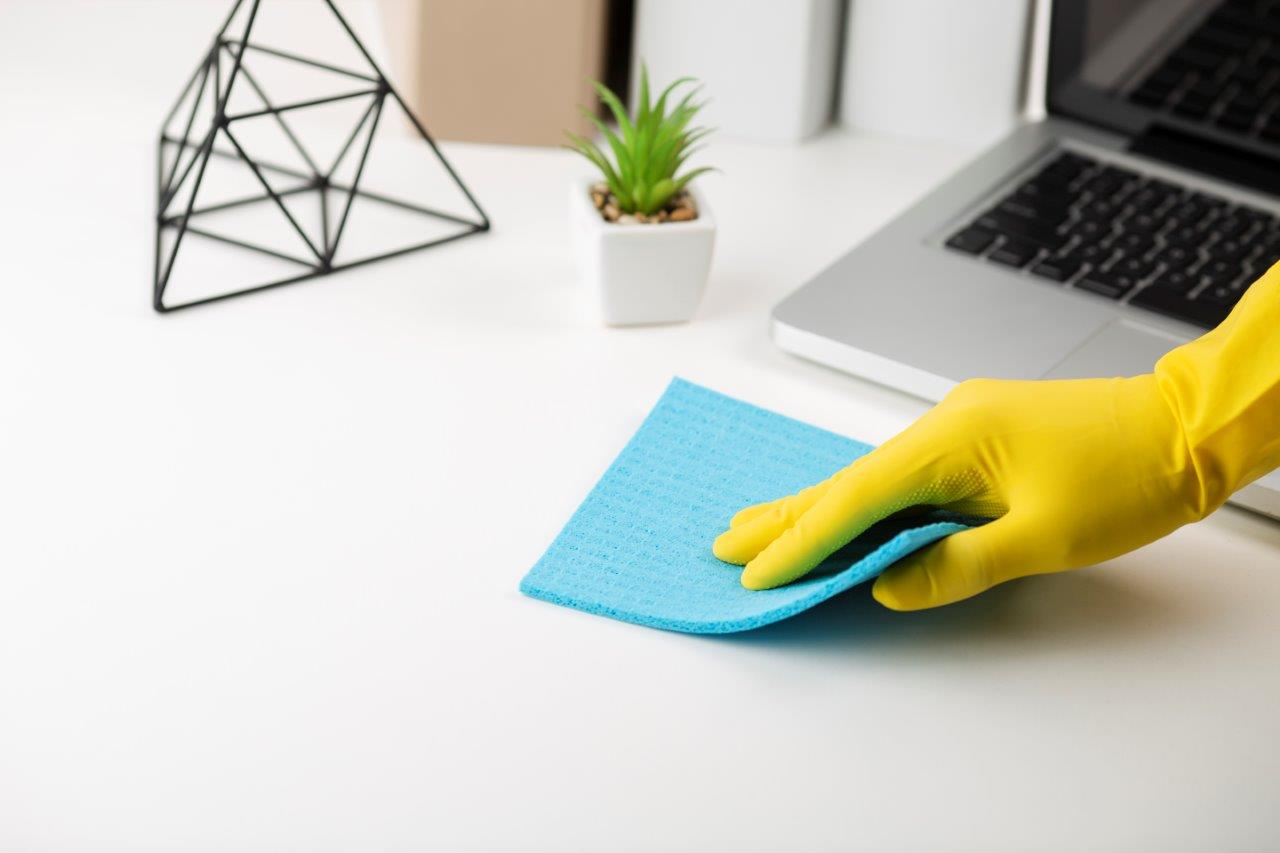cleaning office table