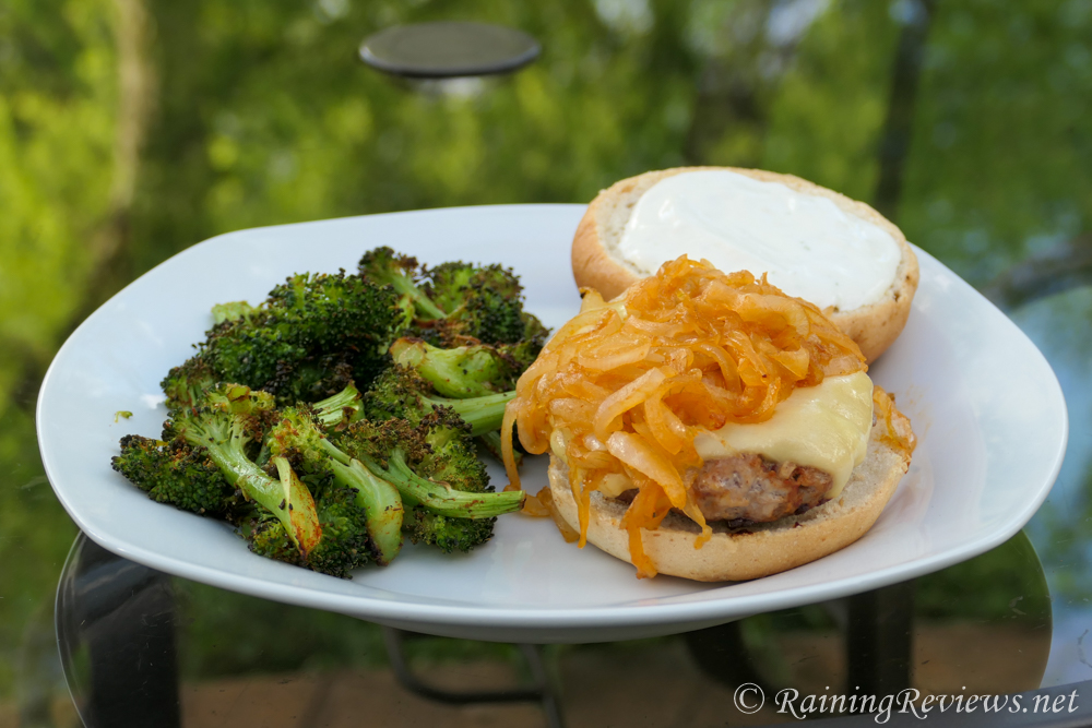 HelloFresh Gouda Pork Burgers with Roasted Broccoli, photo by RainingReviews.com