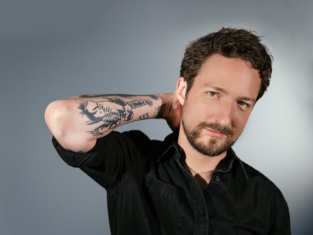 Singer Songwriter Frank Turner