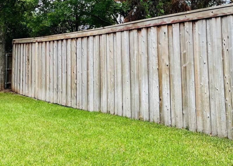 7907 LeCompte Rd Austin Texas Brushy Creek fence