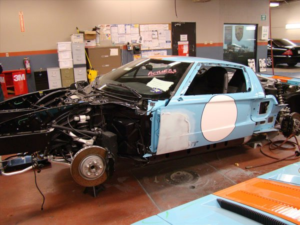 collision repair progress of ford gt