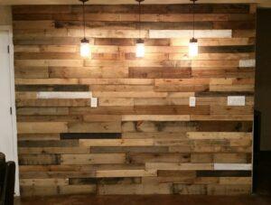 rustic dining room pallet wall