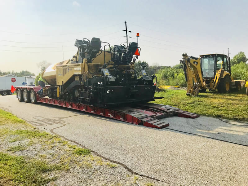 Selecting a Trailer for Paving Equipment Loads_Deck Configuration
