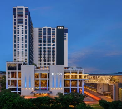 An image of the Hilton Austin. Use the hyperlink in the text to lock in your Austin Marathon weekend rate and enjoy late check-out.