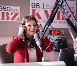 Dana at radio station